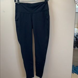 Black gap yoga pants